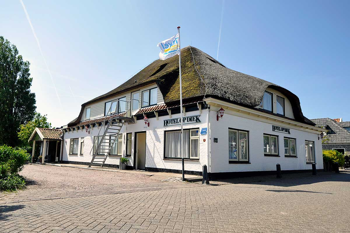 hotel-op-diek-under-hotel-in-den-hoorn